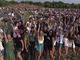 "1,000 fans tocan ""Learn To Fly"" para pedir que Foo Fighters visite su ciudad"